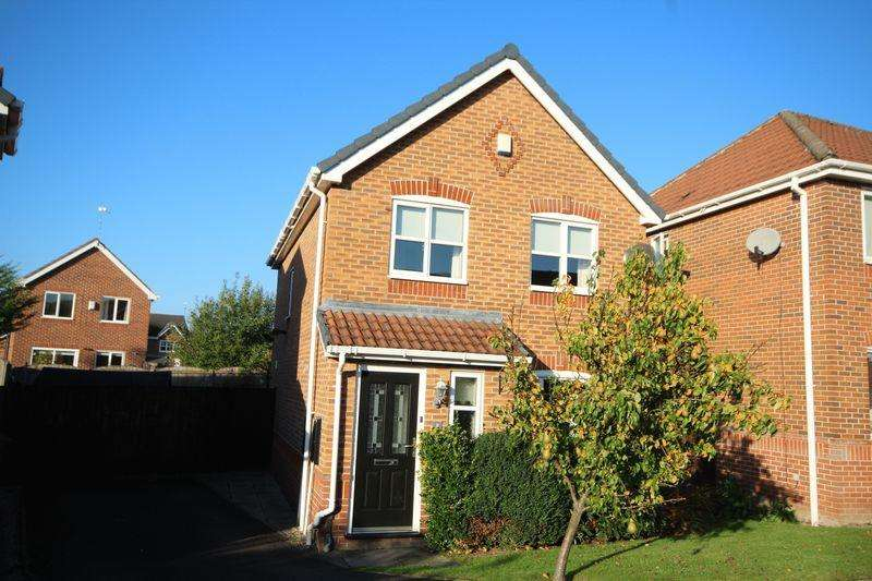 3 Bedrooms Detached House for rent in HALCYON CLOSE, Norden, Rochdale OL12 7LY