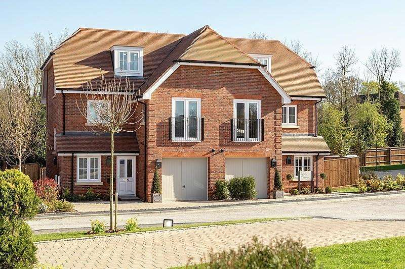 3 Bedrooms Semi Detached House for sale in Pangbourne Hill, Pangbourne, RG8