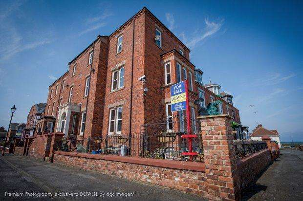 8 Bedrooms Terraced House for sale in 3 BEACONSFIELD STREET, HEADLAND, HARTLEPOOL