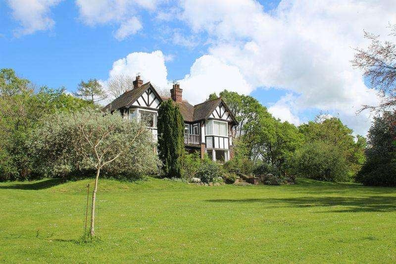 5 Bedrooms Detached House for sale in Wanborough Lane, Cranleigh