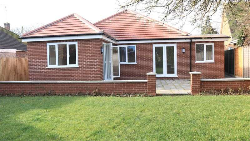 3 Bedrooms Detached Bungalow for sale in South Road, Bourne