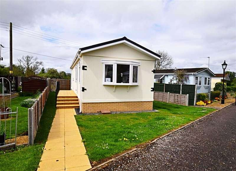 2 Bedrooms Mobile Home for sale in Branch Road, Cheltenham, Gloucestershire