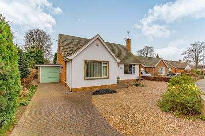4 Bedrooms Bungalow for sale in Kenton Close, Hartburn, Stockton-On-Tees
