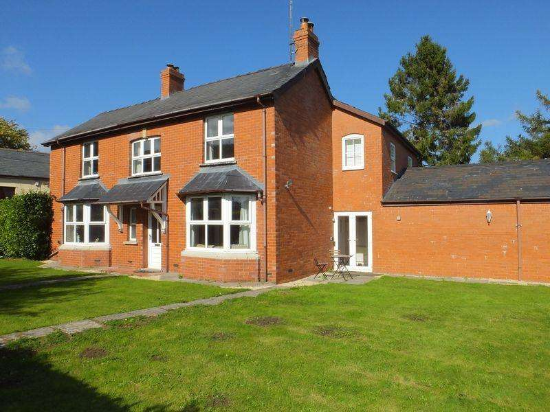 5 Bedrooms Detached House for sale in Llanellen, Abergavenny