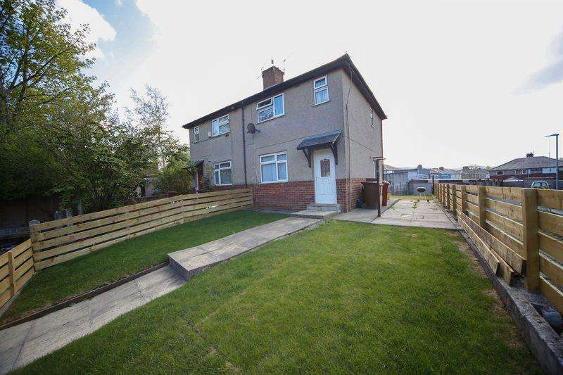 2 Bedrooms Semi Detached House for sale in Tadema Grove, Burnley