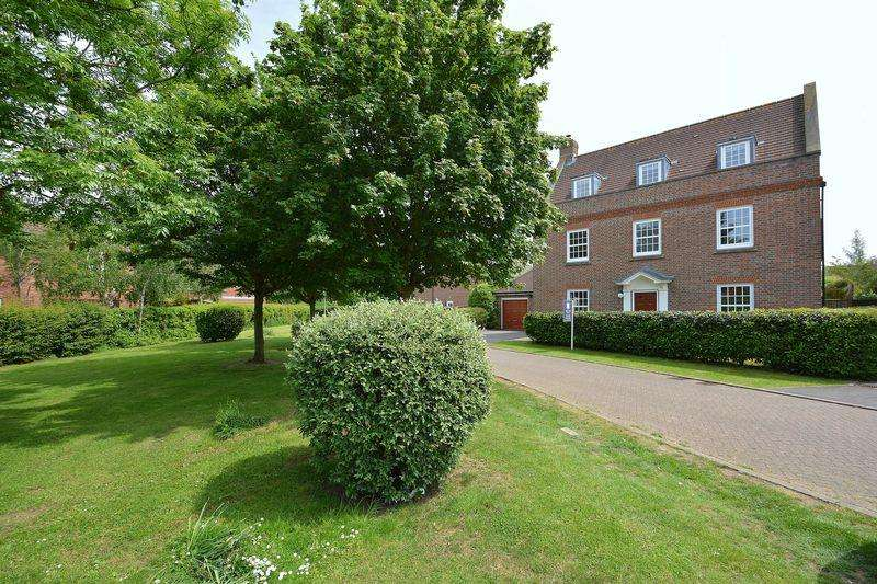 5 Bedrooms Detached House for sale in Pickenfield, Thame