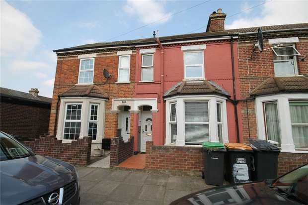 3 Bedrooms Terraced House for sale in Lawrence Street, Bedford