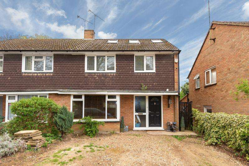 4 Bedrooms Semi Detached House for sale in East Hyde, Harpenden school catchment