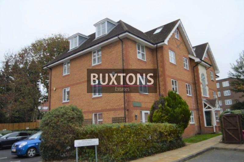 2 Bedrooms Flat for rent in Arborfield Close, Slough, Berkshire. SL1 2JW