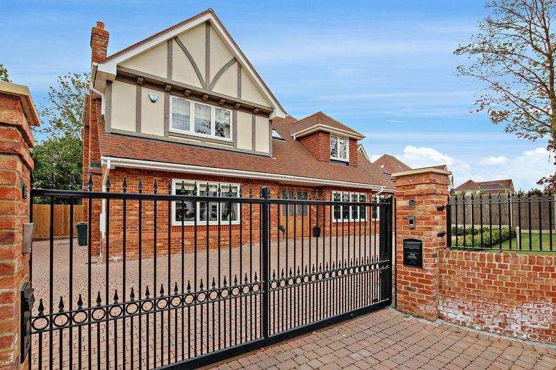 5 Bedrooms Detached House for sale in Birchwood Road, Wilmington