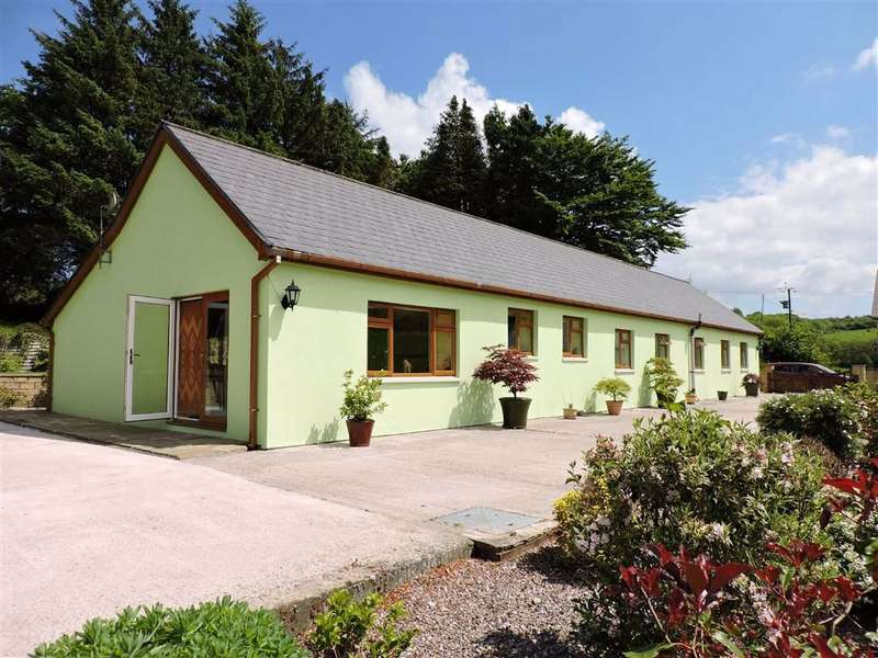 3 Bedrooms Property for sale in Pencader, Pencader,Carmarthen