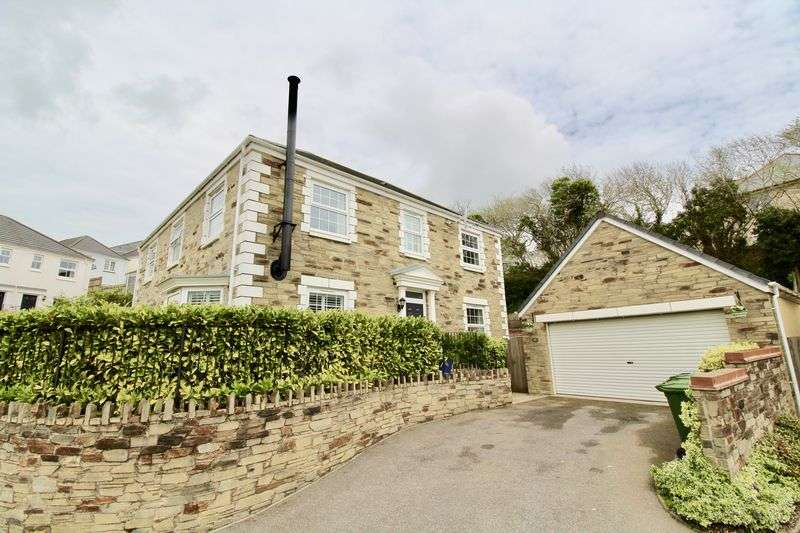 4 Bedrooms Property for sale in Round Ring Gardens, Penryn