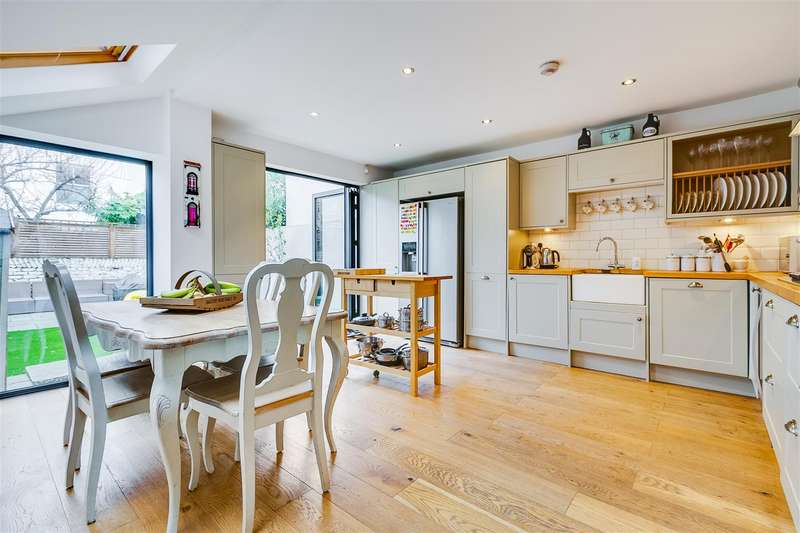 5 Bedrooms Terraced House for sale in Cornwall Grove, London