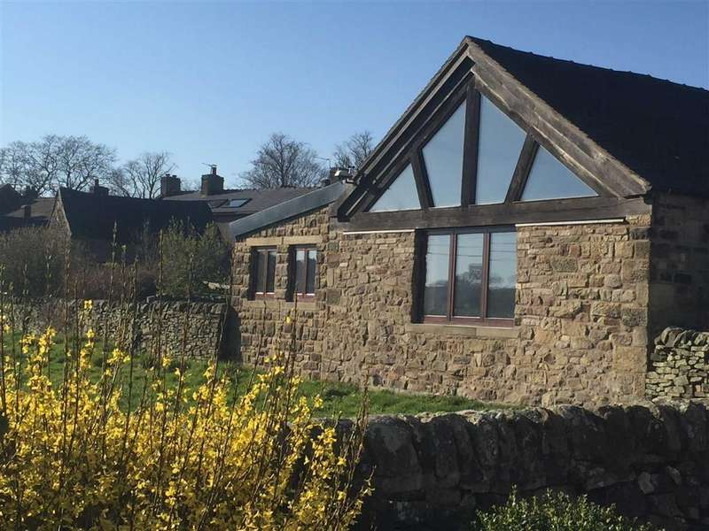 3 Bedrooms Detached House for sale in Market Place, Longnor, Nr Buxton