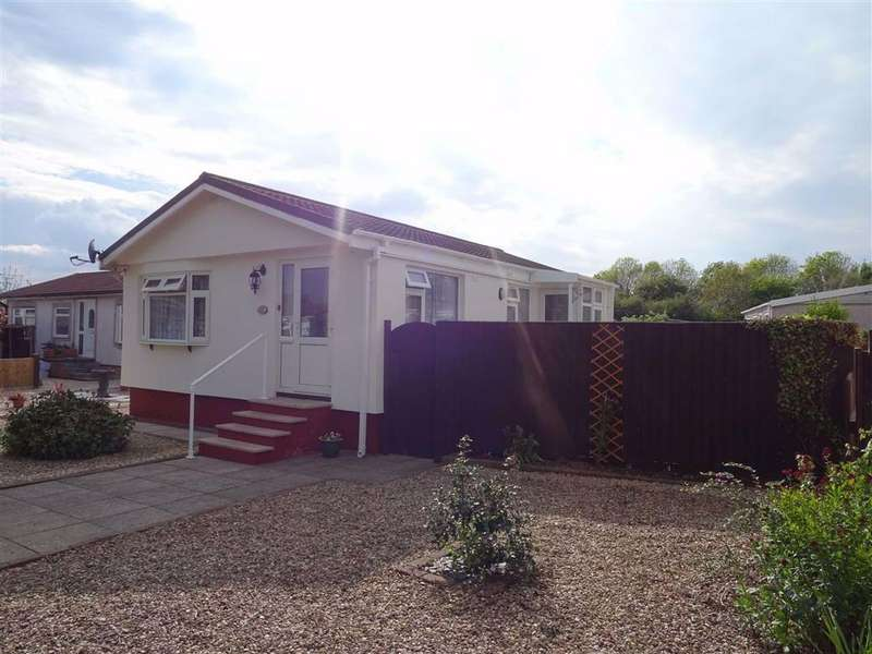 2 Bedrooms Park Home Mobile Home for sale in Springfield Park, Hinckley