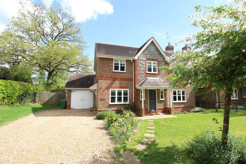 4 Bedrooms Detached House for sale in Hazelmoor Lane, Gallowstree Common, RG4