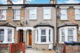 3 Bedrooms Terraced House for sale in Sutherland Road, Croydon
