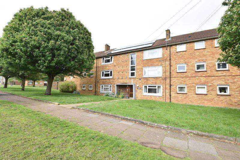 3 Bedrooms Apartment Flat for sale in Whipperley Way
