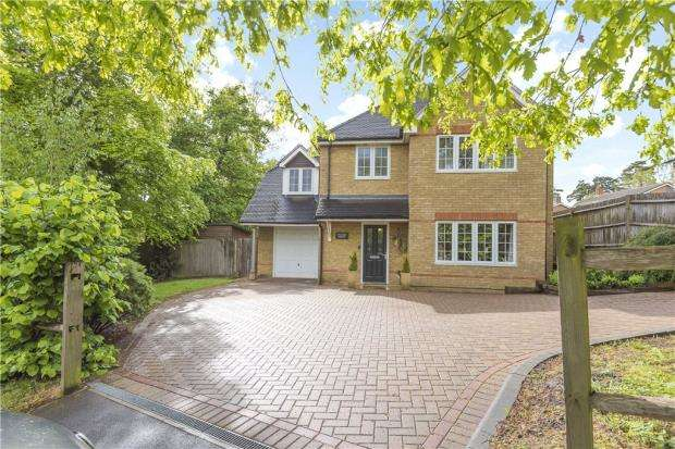 4 Bedrooms Detached House for sale in Long Hill Road, Bracknell, Berkshire