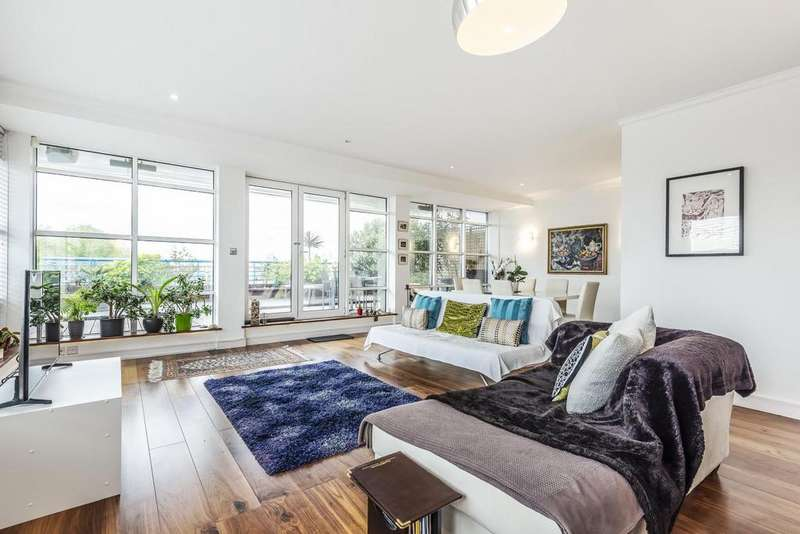 3 Bedrooms Flat for sale in Rotherhithe Street, Surrey Quays