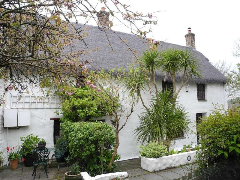 4 Bedrooms Farm House Character Property for sale in Lower Penhale, St. Columb