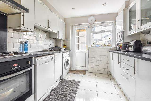3 Bedrooms House for sale in Slough, Berkshire, SL2