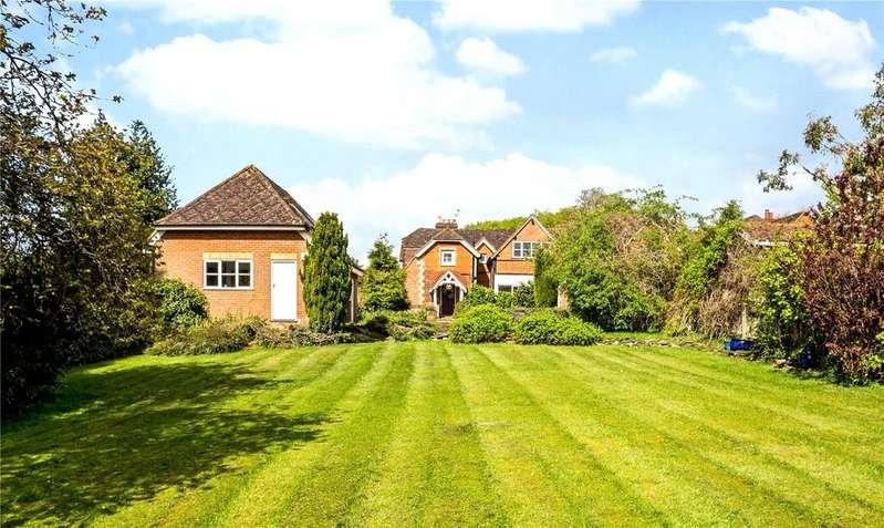 5 Bedrooms Detached House for sale in Hammersley Lane, Penn, Buckinghamshire, HP10
