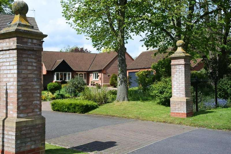 3 Bedrooms Bungalow for sale in Kings Gardens, Gonerby Hill Foot, Grantham