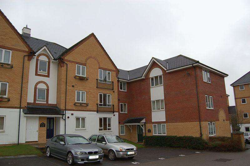 2 Bedrooms Flat for sale in Butlers Close