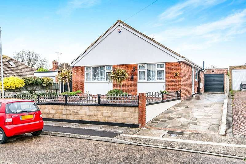 3 Bedrooms Detached Bungalow for sale in Martins Close, Ramsgate, CT12