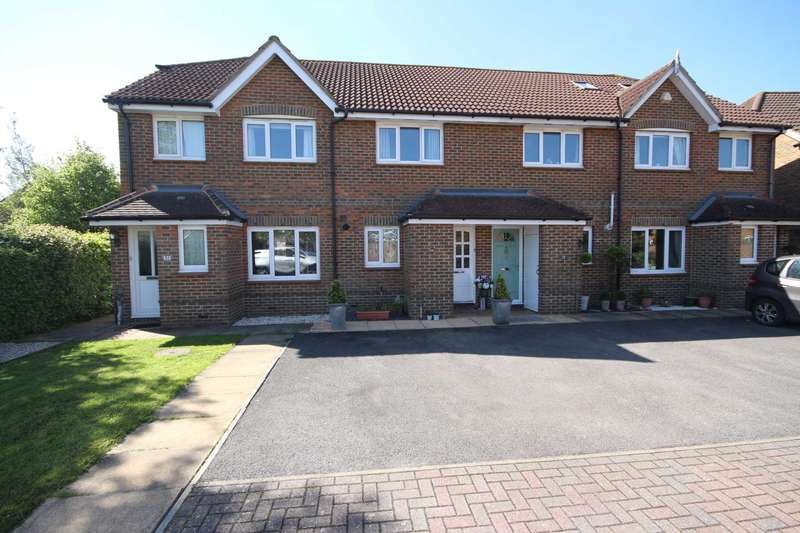 2 Bedrooms Terraced House for sale in Gloucestershire Lea, Warfield