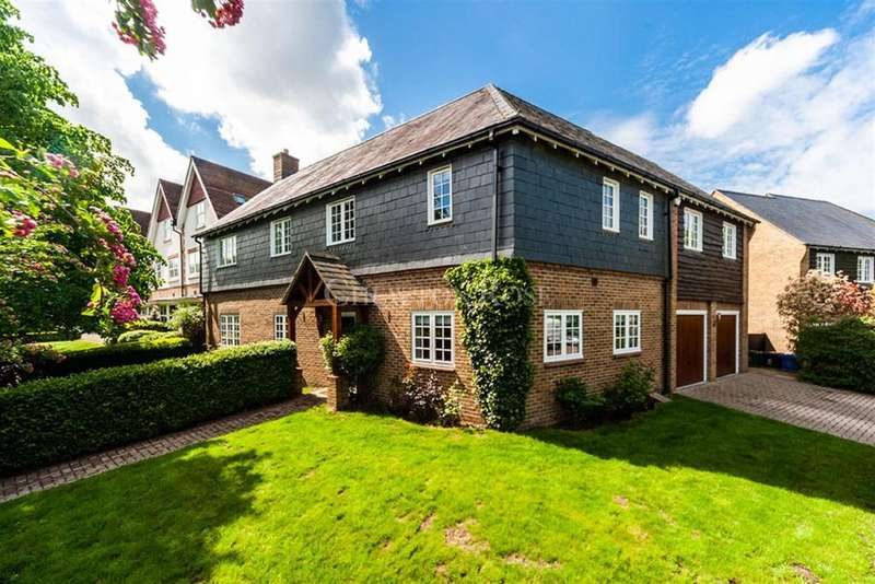 5 Bedrooms Detached House for sale in Ascot