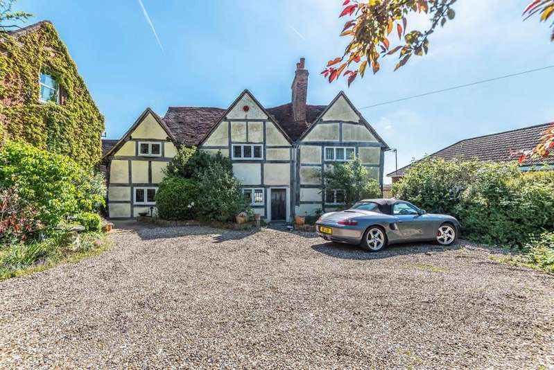 4 Bedrooms Detached House for sale in Terrace Road North, Binfield, RG42