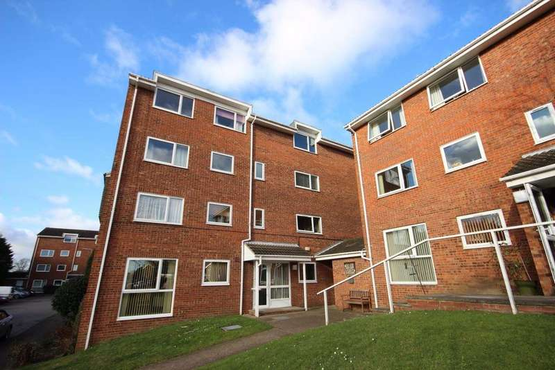 2 Bedrooms Apartment Flat for rent in Katherines Court, Ampthill, Bedfordshire