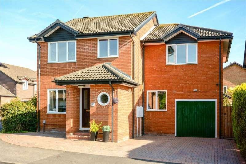 4 Bedrooms Detached House for sale in Wiggett Grove, Binfield, Berkshire, RG42