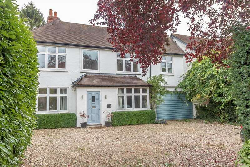 4 Bedrooms Detached House for rent in Wargrave Road, Twyford, Reading