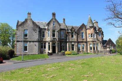 4 Bedrooms Maisonette Flat for sale in Redheugh House, Redheugh Court