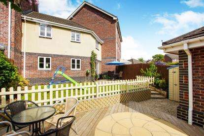 3 Bedrooms Terraced House for sale in Emerson Way, Emersons Green, Bristol