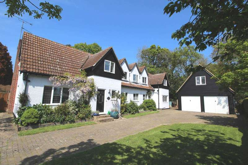 4 Bedrooms Detached House for sale in Beacon Hill, Wickham Bishops