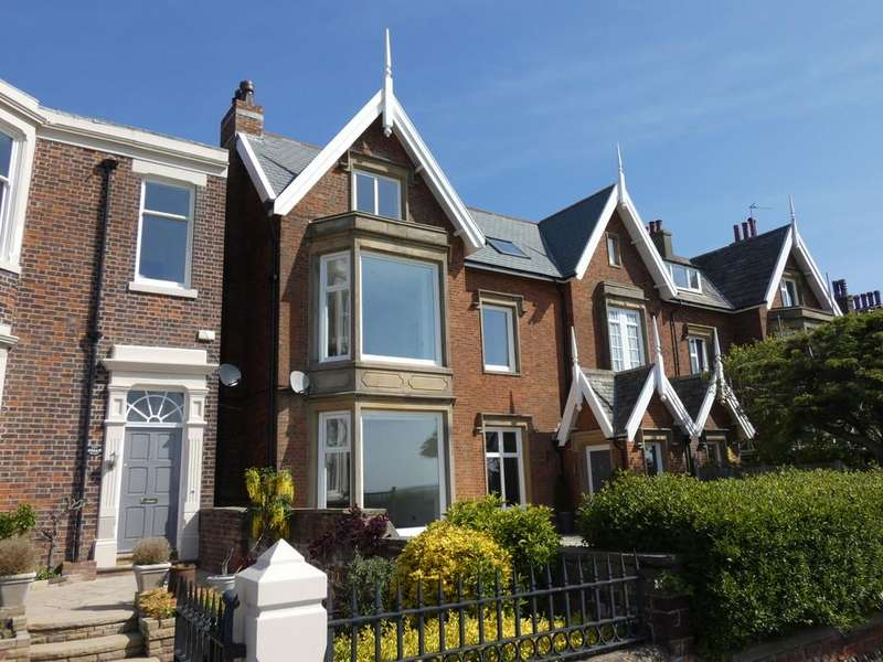 5 Bedrooms Semi Detached House for sale in 15 East Beach, Lytham