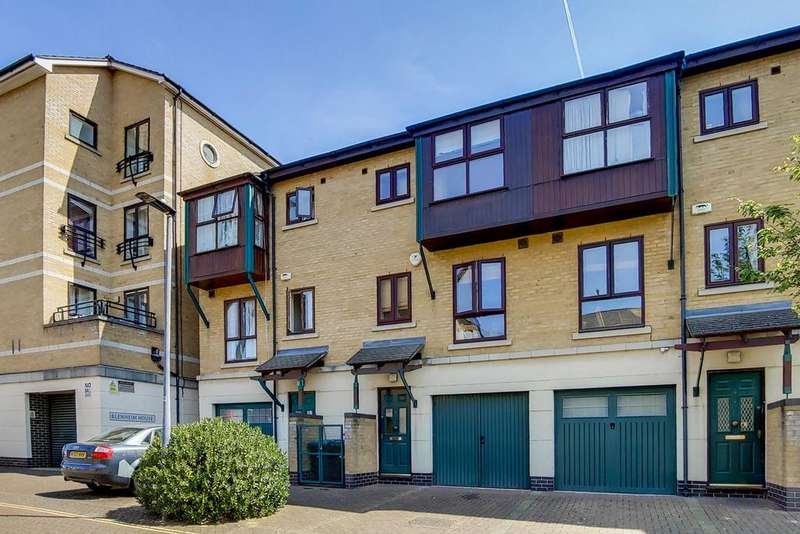 3 Bedrooms Town House for sale in Constable Avenue, London, E16
