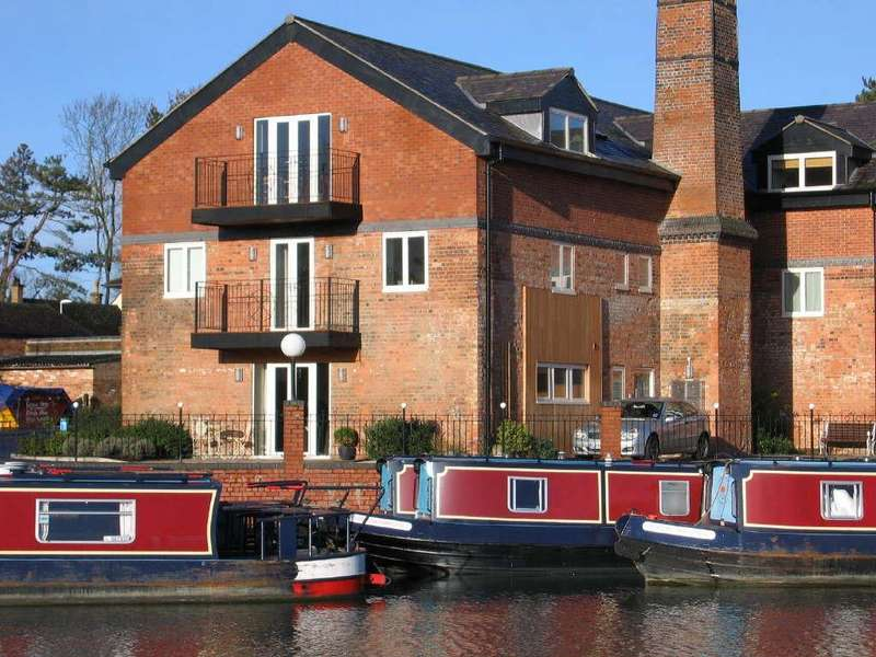 2 Bedrooms Apartment Flat for sale in Canalside Union Wharf, Market Harborough