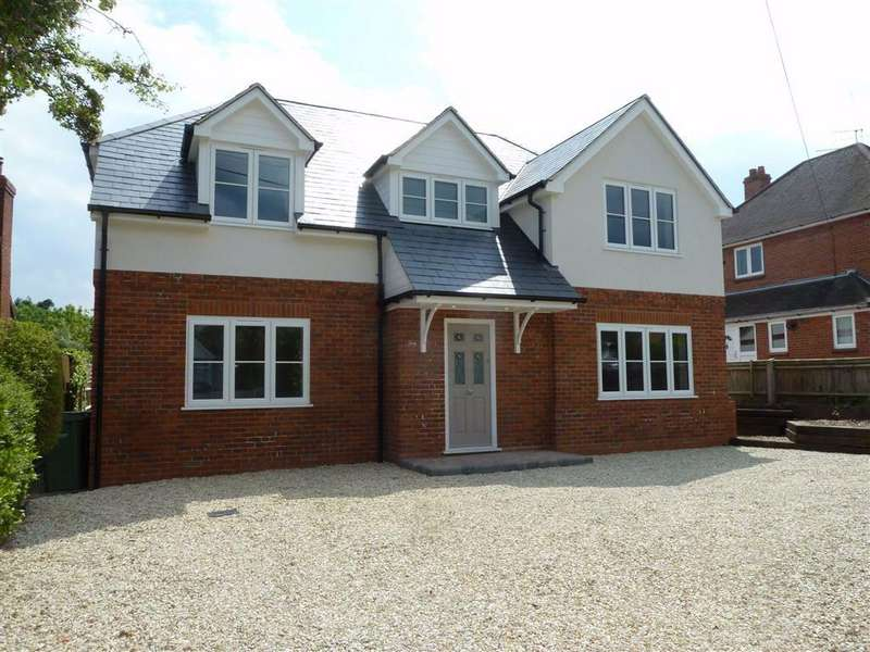 4 Bedrooms Detached House for sale in Newfield Road, Sonning Common, Sonning Common Reading