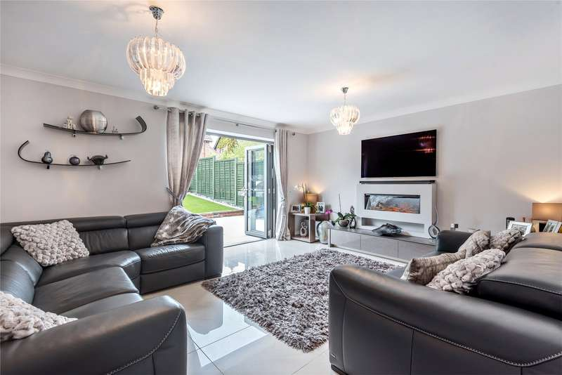 5 Bedrooms Detached House for sale in Wickford Way, Lower Earley, Reading, Berkshire, RG6