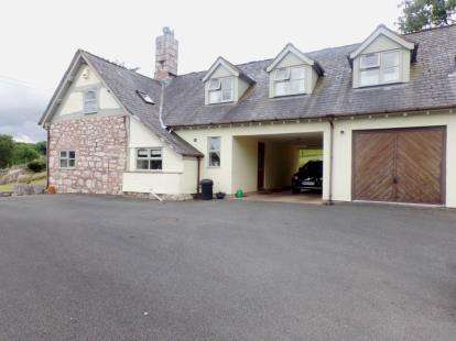 4 Bedrooms Detached House for sale in Corwen Road, Ruthin, Denbighshire, LL15