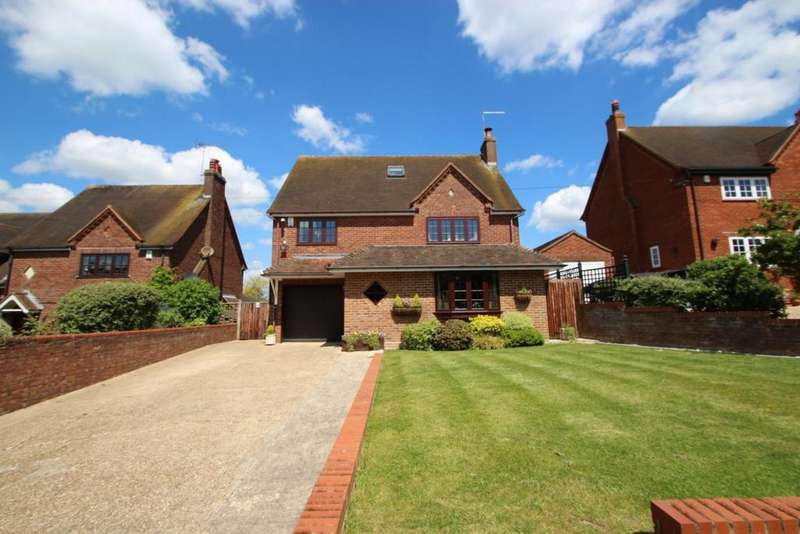 4 Bedrooms Detached House for sale in Bingham Cottages, Moss End, RG42