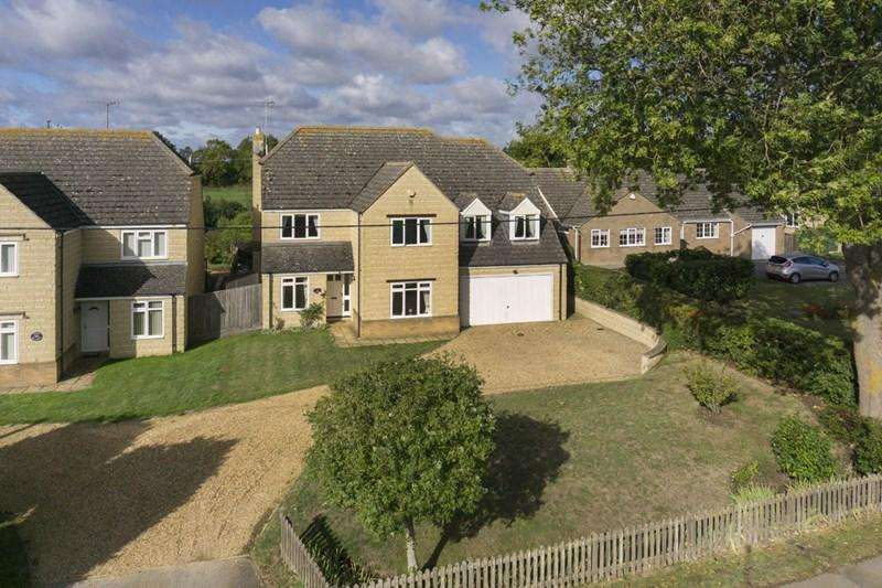 5 Bedrooms Detached House for sale in Oundle Road, Polebrook, Peterborough