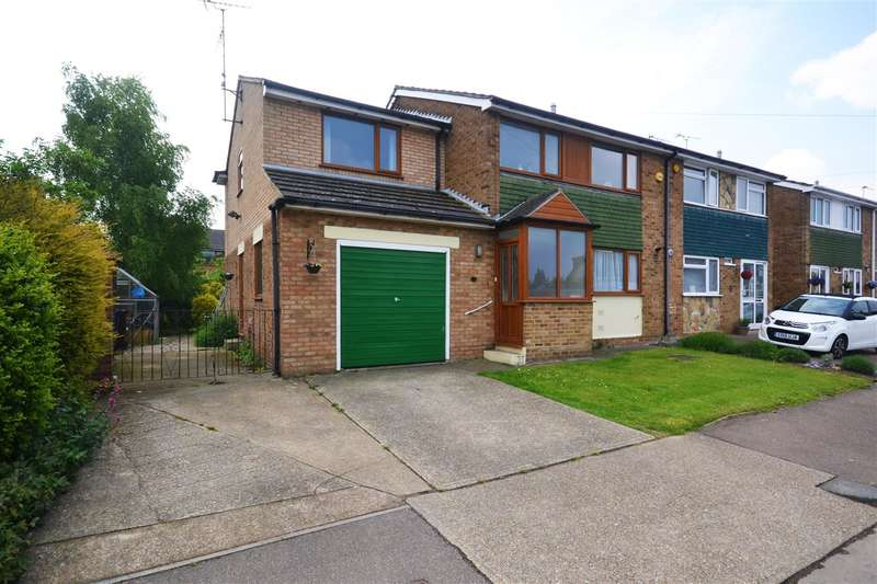5 Bedrooms Semi Detached House for sale in Halt Drive, Linford