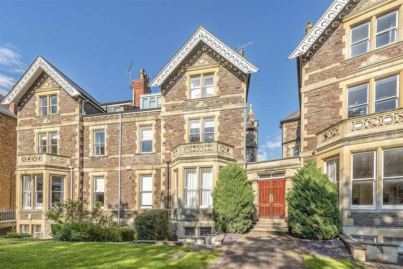 2 Bedrooms Flat for sale in Eaton Crescent, Clifton