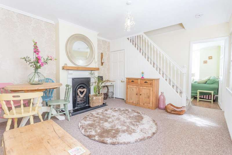3 Bedrooms Semi Detached House for sale in DETACHED GARAGE. Nursery Lane, Ascot, Berkshire, SL5 8PY